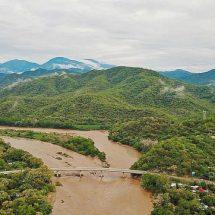 Vicente trastoca 6 regiones de Oaxaca; daña 119 tramos carreteros