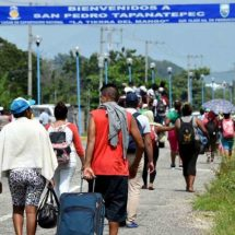 Reciben a la Caravana Migrante en Tapanatepec, Oaxaca