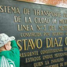 Retiran placas con nombre de Díaz Ordaz en la CDMX, a 50 años del 68