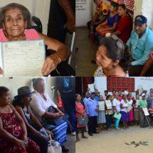 Ayuda DIF a adultos mayores a obtener identidad con Registro Extemporáneo