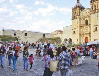 Puente vacacional, deja a Oaxaca derrama por 198 mdp
