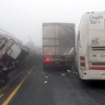 Provocan lluvias caos en Autopista Saltillo-MTY
