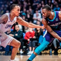 CLIPPERS TUNDEN A LOS HORNETS!