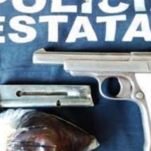DETENIDO POR LA POLICÍA ESTATAL LLEVABA ARMA DE FUEGO Y GOMA DE OPIO
