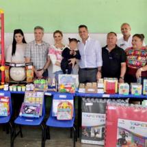 Entrega Alejandro Murat apoyos al Centro de Atención Múltiple de Santa María Coyotepec