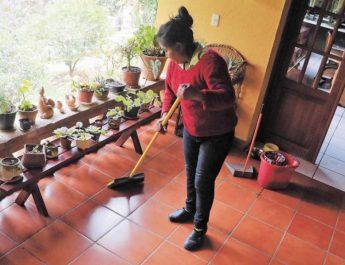 Limita IMSS atención a trabajadoras domésticas