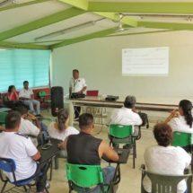 Coordinador regional de Protección Civil de Cosamaloapan, capacita a personal educativo