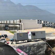 Deslave ocasiona un derrumbe en obra en construcción de NL