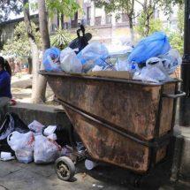 Fallan recolectores de Oaxaca; basura inunda las calles