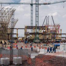 Más de 4.000 millones en deuda para un aeropuerto que no se construirá