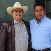 Dávila continúa gestiones para mejorar la economía de las familias de Tuxtepec