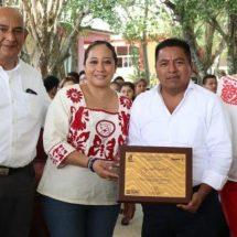 Gobierno Municipal de Tuxtepec felicita a maestras y maestros en su día