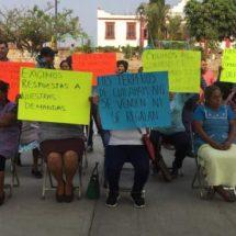 Comuneros de Cuilapam denuncian invasión de sus tierras y contaminación de sus veneros de agua.
