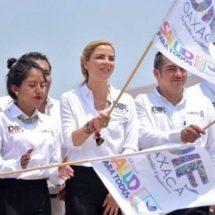 Ivette Morán de Murat encabeza el arranque del programa de Unidades Móviles que recorrerá las ocho regiones del Estado
