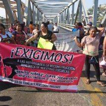 Padres de familia en el Istmo con bloqueo en Puente de Fierro; exigen reconstrucción de su plantel