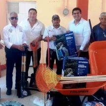 Gobierno Municipal entrega herramientas e insumos al área de panteones