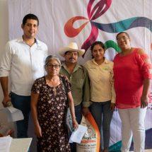 Gobierno de Tuxtepec entregó apoyos a agricultores de maíz
