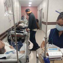 Paran camilleros del Hospital Civil de Oaxaca