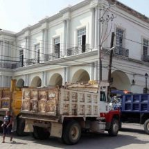 Estallan camioneros contra la edil de Tehuantepec