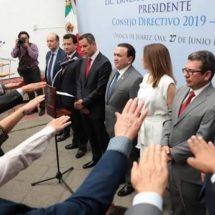 Toma protesta Alejandro Murat a nuevo Consejo Directivo de Canaco Servytur Oaxaca