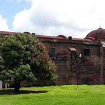 Sin reconstruir, los templos del Istmo