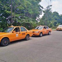 Policía vial ignora quejas de usuarios por abusos de taxistas