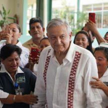 López Obrador ordena a IMSS tener listo nuevo salario del personal