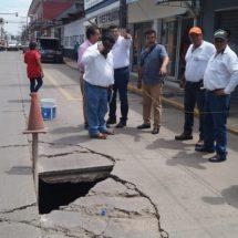 De inmediato… Gobierno de Tuxtepec iniciará esta noche rehabilitación del punto afectado por socavón en la calle Ocampo