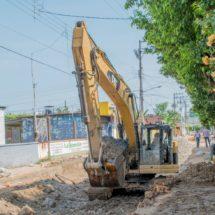 Avanza rehabilitación de drenaje sanitario en la calle Ocampo
