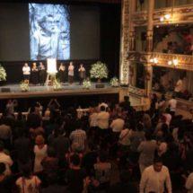 Gobernador de Oaxaca y Gobierno Federal, homenajean a Francisco Toledo en el Macedonio Alcalá