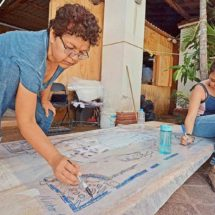 Entre el miedo y la fe: reparan templo en Juchitán