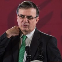 Ebrard detiene nombramiento de cónsul tras acusaciones de abuso de menores