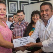 Gobierno de Tuxtepec entregó apoyos a 65 iglesias de diferentes creencias religiosas