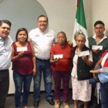 Beneficia gobierno a 10 familias en rubro de vivienda, a través de la CEVI