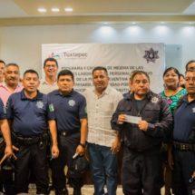 Gobierno de Tuxtepec paga jubilación a 11 elementos de la Policía Preventiva Municipal