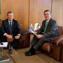 México y Uruguay urgen a elecciones libres en Bolivia