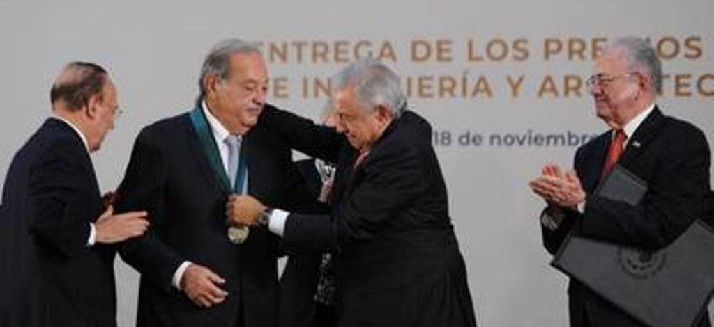 AMLO entrega Premio Nacional de Ingeniería a Carlos Slim