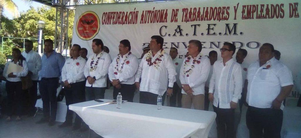 Toman protesta a dirigentes de CATEM