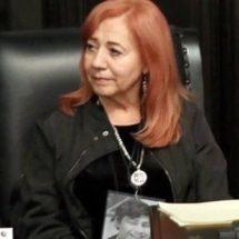 Piden víctimas a Rosario Piedra no asumir en CNDH