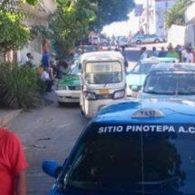 Mototaxistas paralizan transporte en Pinotepa Nacional