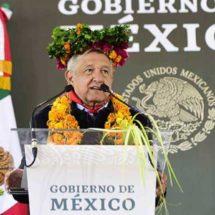 AMLO pide redoblar esfuerzos para consolidar transformación