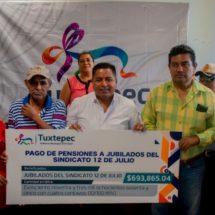 Gobierno de Tuxtepec paga pensión a jubilados sindicalizados