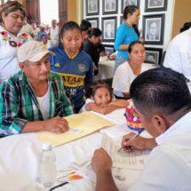 Atiende Dávila necesidades de más de 280 tuxtepecanos en el Lunes Ciudadano