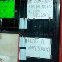 Pobladores de Astata, toman su Palacio Muncipal en rechazo a la nueva autoridad