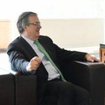 Por problema de traducción, reclamo de Landau a México: Ebrard