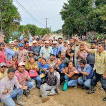 Con la unión de esfuerzos pavimentan calle principal en Santa Úrsula