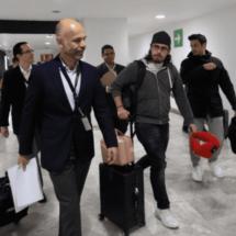 Llegan mexicanos evacuados de China a México tras cuarentena en Francia