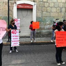 Se manifiestan comerciantes, exigen apoyo igualitario ante cierre de sus locales por Covid-19
