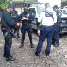 Agresivos mototaxistas, atacan a un elemento de la Policía Estatal