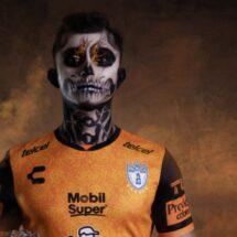 Pachuca dio a conocer su jersey conmemorativo por el Día de Muertos.